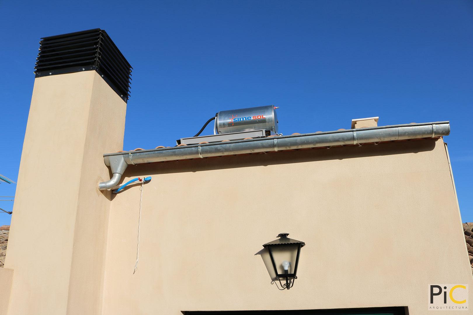 Obra nueva arquitectura vivienda unifamiliar Benasau cubierta