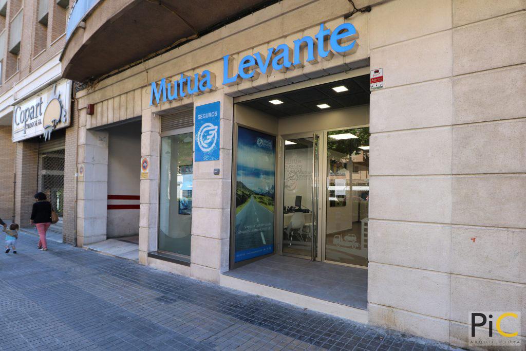 Nueva oficina mutua levante Alcoy entrada