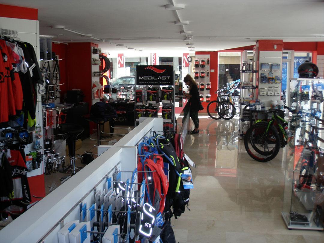 diseño tienda onbike alcoy interior 4