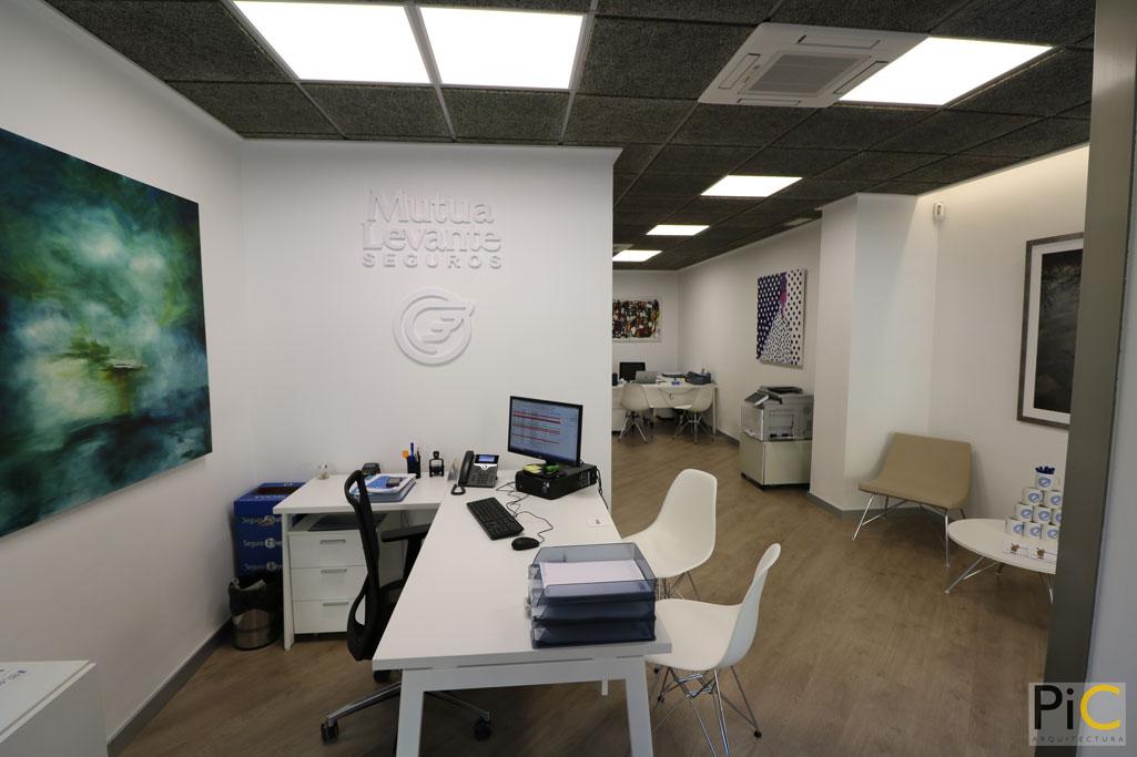 Nueva oficina mutua levante Alcoy picarquitectura oficina