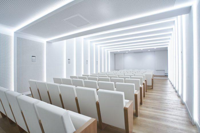 Interior-Sala-Mutua-Levante-Estudio-arquitectura-Alcoy-Pic-Arquitectura-6